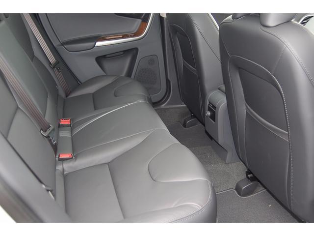 ボルボ ボルボ XC60 D4 クラシック 2017モデル 未使用車