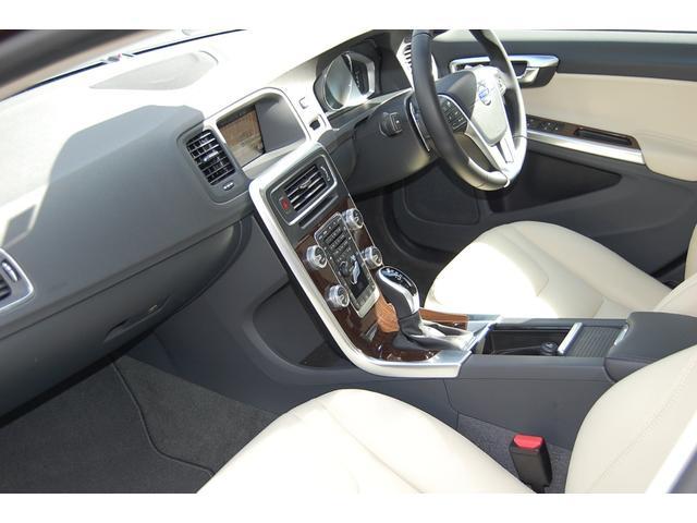 ボルボ ボルボ V60 CC T5 AWD クラシック ドライブレコーダー付き