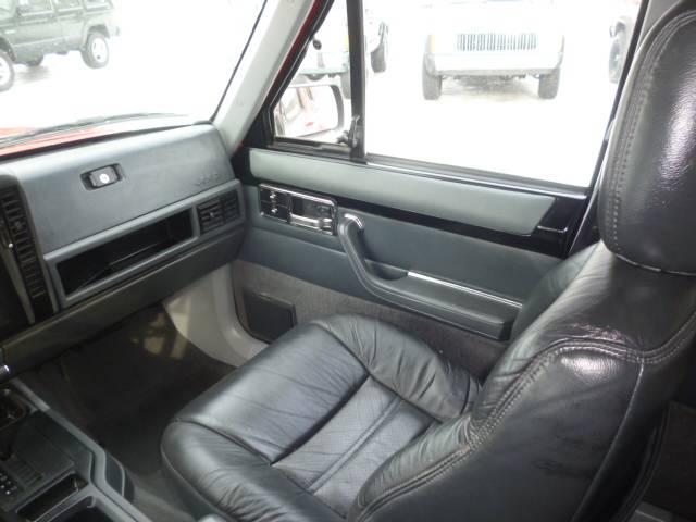 AMC・ジープ AMCジープ チェロキー 左ハンドル 1NO登録可能