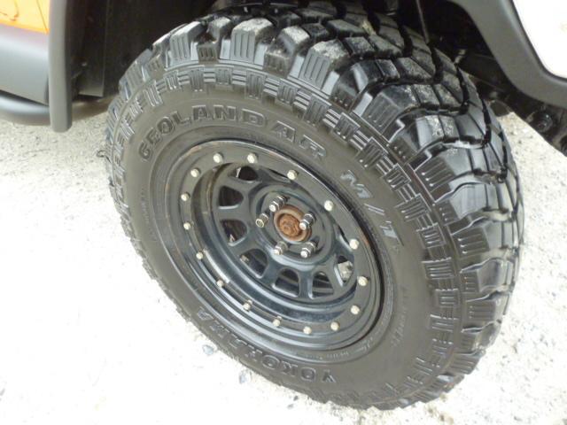 ヨコハマジオランダーMTタイヤを装着致しました。砂地等でも性能を発揮するタイヤです。