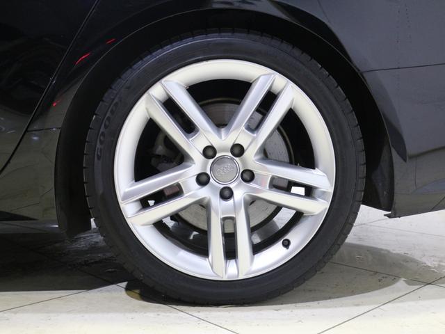 タイヤサイズは255/40R19