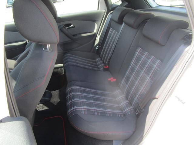 後部座席も綺麗・清潔にクリーニング済みです!