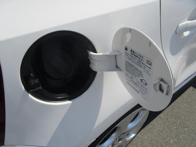 給油口は運転席側にございます!