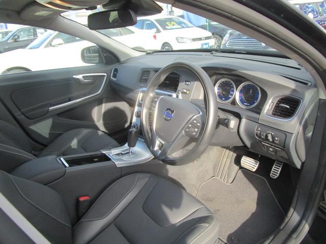 T6 AWD Rデザイン 電動半革シート フルセグナビ SR(10枚目)