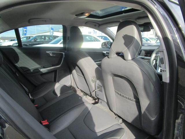 T6 AWD Rデザイン 電動半革シート フルセグナビ SR(12枚目)
