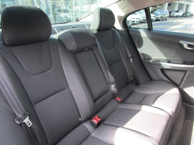 T6 AWD Rデザイン 電動半革シート フルセグナビ SR(13枚目)