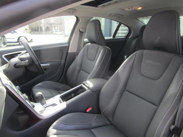 T6 AWD Rデザイン 電動半革シート フルセグナビ SR(15枚目)