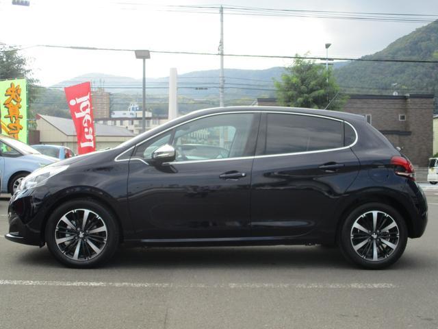 アリュール ファンエディション 当社試乗車 新車保証継承(8枚目)