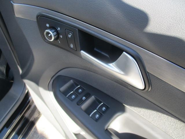 TSI コンフォートライン アップグレードPKG フルセグナビ キセノン クルーズコントロール ETC 3列シート オートライト キーレス Bluetooth接続(17枚目)