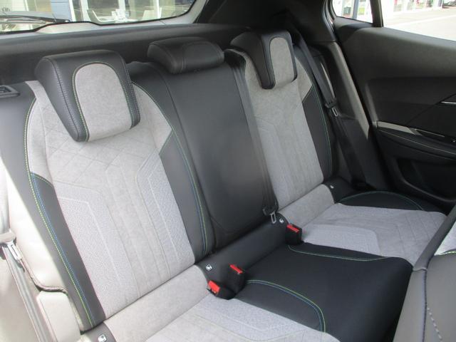 GTライン 電機自動車 LEDヘッドライト 半革シート バックカメラ 衝突軽減ブレーキ アクティブクルコン アクティブブラインドスポットモニター 3Dデジタルヘッドアップディスプレイ スマートキ- 純正17AW(13枚目)