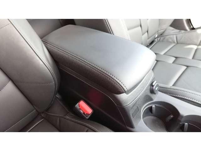 グランシック OPERA内装 電動黒革 マトリクスLED グリップコントロール シートヒーター 衝突軽減 バックカメラ アクティブクルコン レーンアシスト 純正18AW Carplay(16枚目)
