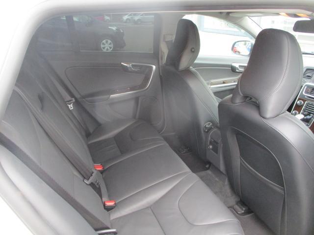 T6 AWD 電動黒革 フルセグナビ キセノン Bカメラ 衝突軽減ブレーキ シートヒーター クルーズコントロール バックソナー ETC スマートキー Bluetooth接続(12枚目)