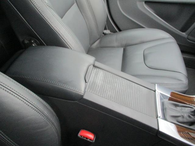 T6 AWD 電動黒革 フルセグナビ キセノン Bカメラ 衝突軽減ブレーキ シートヒーター クルーズコントロール バックソナー ETC スマートキー Bluetooth接続(37枚目)