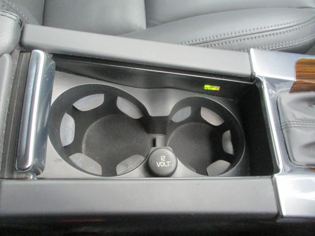 T6 AWD 電動黒革 フルセグナビ キセノン Bカメラ 衝突軽減ブレーキ シートヒーター クルーズコントロール バックソナー ETC スマートキー Bluetooth接続(39枚目)