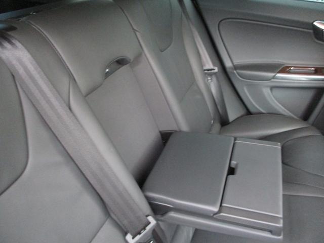 T6 AWD 電動黒革 フルセグナビ キセノン Bカメラ 衝突軽減ブレーキ シートヒーター クルーズコントロール バックソナー ETC スマートキー Bluetooth接続(50枚目)