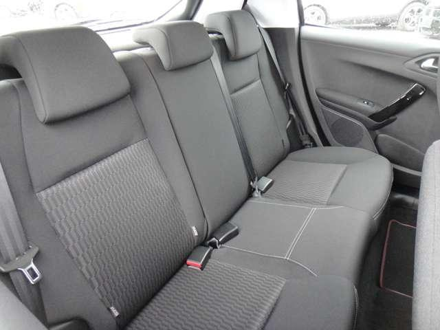 プジョー プジョー 208 ファーストセレクション 登録済未使用車 新車保証継承