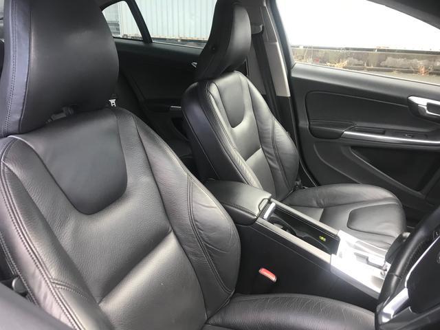 T6 AWD SE 黒革 フルセグナビ キセノン ACC(15枚目)
