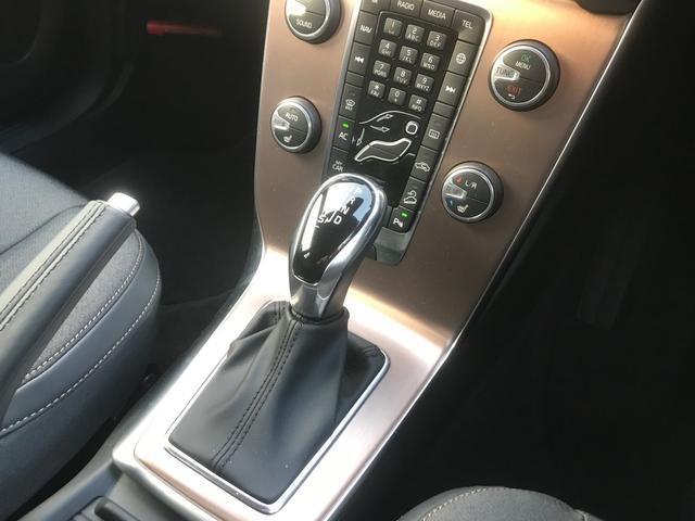 クロスカントリー T5 AWD モメンタム(14枚目)