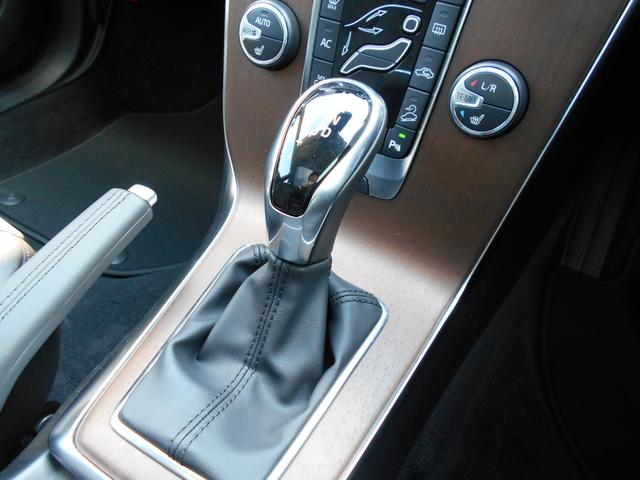 クロスカントリー T5 AWD サマム 登録済未使用車(14枚目)