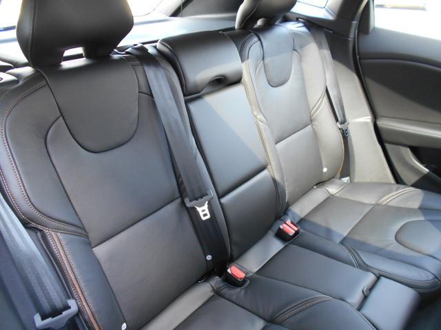 クロスカントリー T5 AWD サマム 登録済未使用車(15枚目)