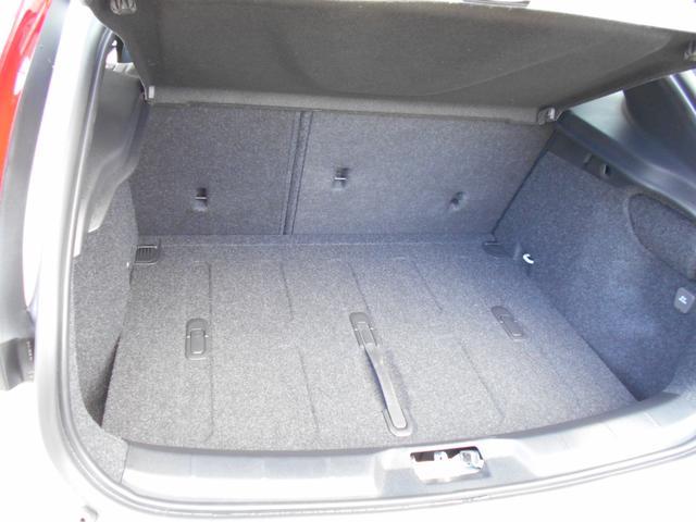 クロスカントリー T5 AWDクラシック 登録済未使用車(18枚目)