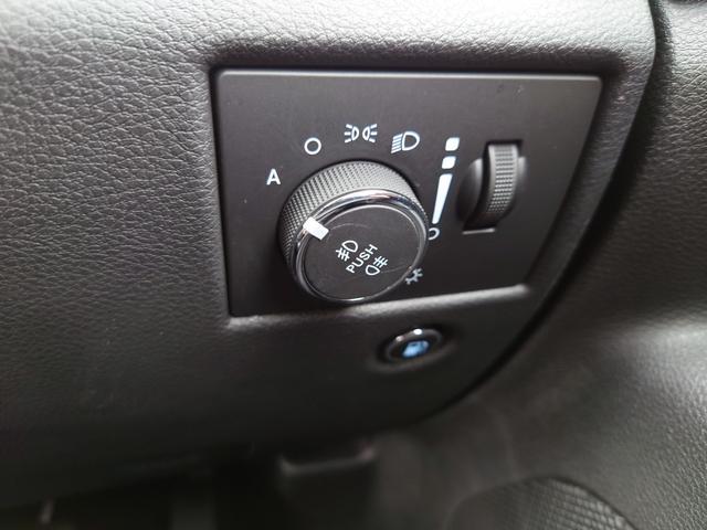 リミテッド 黒革 純正HDDナビ キセノン エアサスペンション クルコン オートライト サンルーフ アイドリングストップ シートヒーター ベンチレーション ETC 純正18インチAW(47枚目)