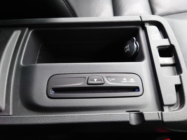 リミテッド 黒革 純正HDDナビ キセノン エアサスペンション クルコン オートライト サンルーフ アイドリングストップ シートヒーター ベンチレーション ETC 純正18インチAW(55枚目)