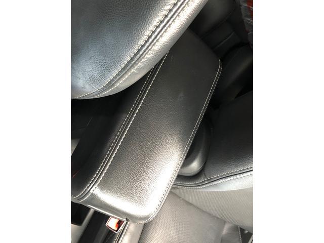 リミテッド 黒革 地デジナビ キセノン バックカメラ クルコン ETC シートヒーター フィリップダウンスピーカー パワーシート サイドカメラ 4WD(41枚目)