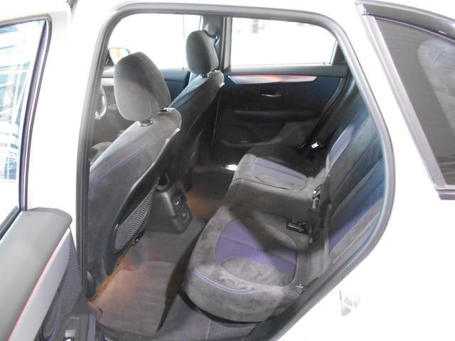 225i xDriveアクティブツアラー Mスポーツ 4WD(13枚目)