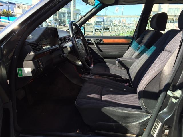 300TE 4マチック ワゴン 4WD Tシリーズ(9枚目)