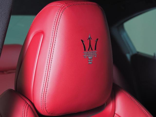 バックカメラ装備なので駐車の後方への不安も軽減できます。