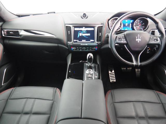 Sグランスポーツ 認定中古車 ドライバーズアシスタンスパッケージ ネリッシモパッケージ プレミアムサウンドシステム フルナチュラルレザー リアプライバシーガラス ヘッドレストトライデントステッチ(4枚目)