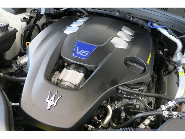 マセラティ マセラティ ギブリ S カーボンインテリアトリム 20インチウラーノホイール