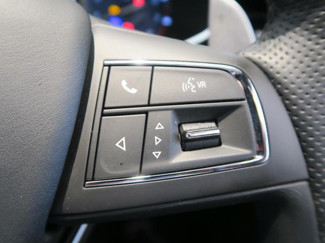 12方向のパワーシートで細かなドライビングポジションも思いのまま。
