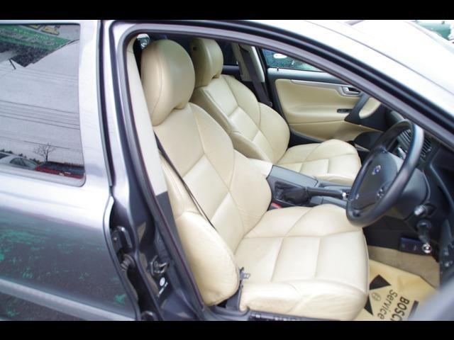 AWD 4WD ベージュ内装 ターボ 革シート 電動シート(3枚目)