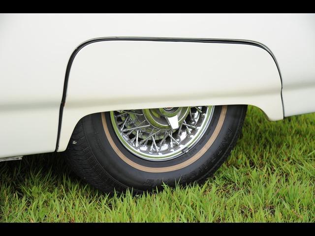 フォード フォード サンダーバード スポーツロードスター