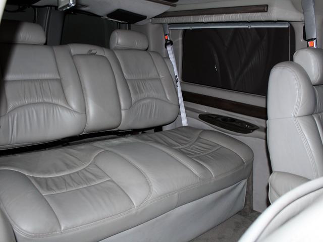 エクスプローラー 4WD 新車並行車 22AW(14枚目)