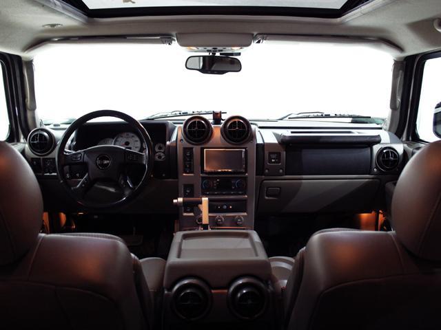 ラグジュアリーパッケージ 4WD リアバネサス 新車並行車(5枚目)