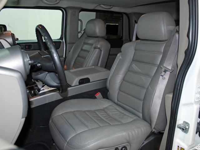 ラグジュアリーパッケージ 4WD リアバネサス 新車並行車(7枚目)