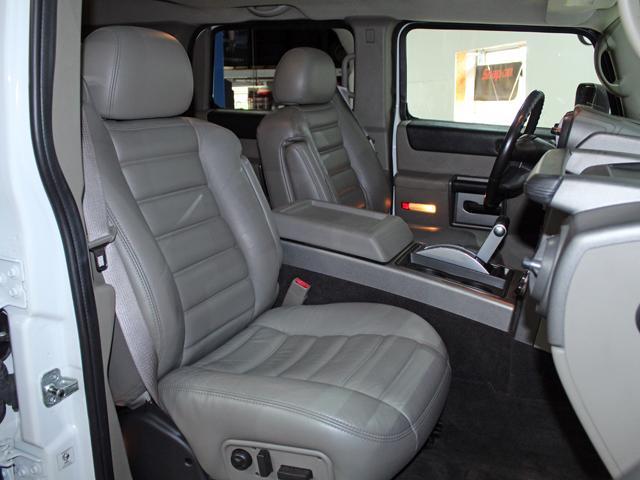 ラグジュアリーパッケージ 4WD リアバネサス 新車並行車(9枚目)