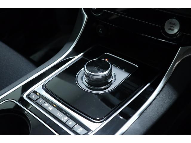 ジャガー ジャガー XE R-スポーツ ディーゼルエンジンワンオーナー認定中古車