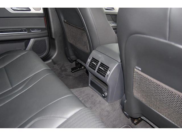 プレステージ 認定中古車 アダプティブLEDヘッドライト 19インチグロスブラックアロイホイール スライド式パノラミックグラスルーフ ブラックパック ステアリングホイールヒーター(5枚目)