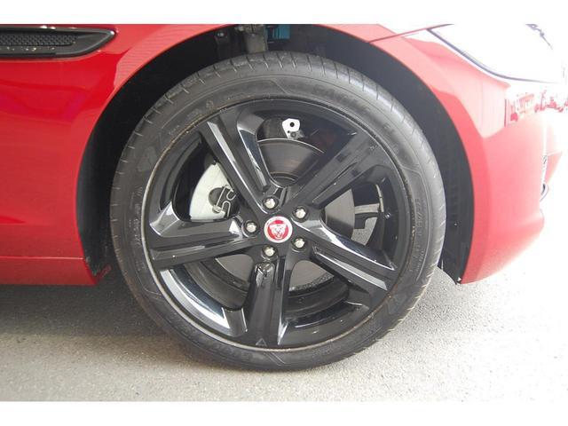 プレステージ 認定中古車 アダプティブLEDヘッドライト 19インチグロスブラックアロイホイール スライド式パノラミックグラスルーフ ブラックパック ステアリングホイールヒーター(9枚目)