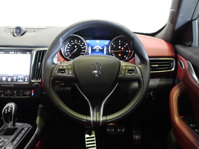「マセラティ」「マセラティ レヴァンテ」「SUV・クロカン」「北海道」の中古車8