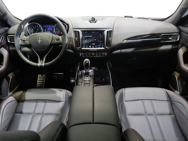 「マセラティ」「マセラティ レヴァンテ」「SUV・クロカン」「北海道」の中古車15