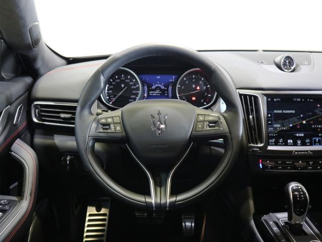「マセラティ」「マセラティ レヴァンテ」「SUV・クロカン」「北海道」の中古車16