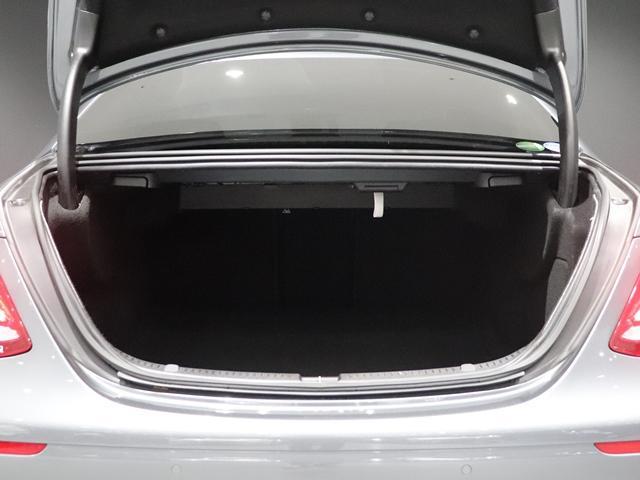 E400 4マチック エクスクルーシブ マルチビームLED AIR BODYサスペンション フットトランクオープナー 本革シート アンビエントライト 全方位カメラ 前後シートヒーター ヘッドアップディスプレイ(18枚目)
