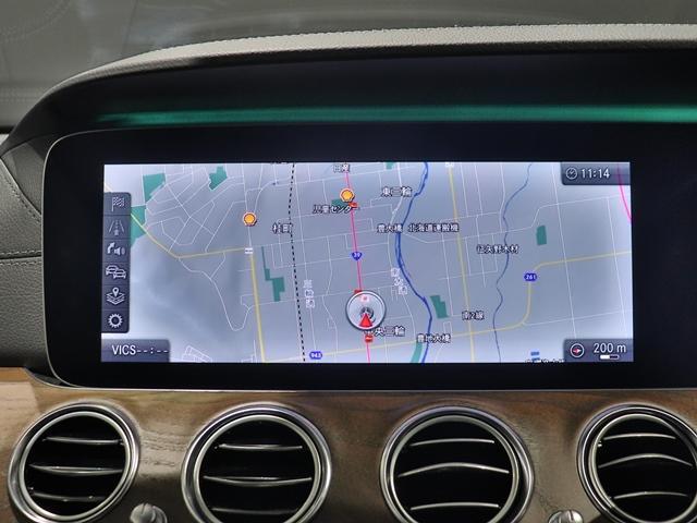 E400 4マチック エクスクルーシブ マルチビームLED AIR BODYサスペンション フットトランクオープナー 本革シート アンビエントライト 全方位カメラ 前後シートヒーター ヘッドアップディスプレイ(29枚目)