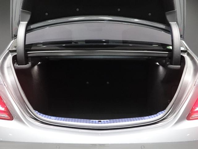 S560 4マチックロング スポーツリミテッド ワンオーナー AMGスタイリング サンルーフ AIR MATICサスペンション マルチビームLED Burmester 4ゾーンエアコン エアバランス ベンチレーター ヘッドアップディスプレイ(22枚目)