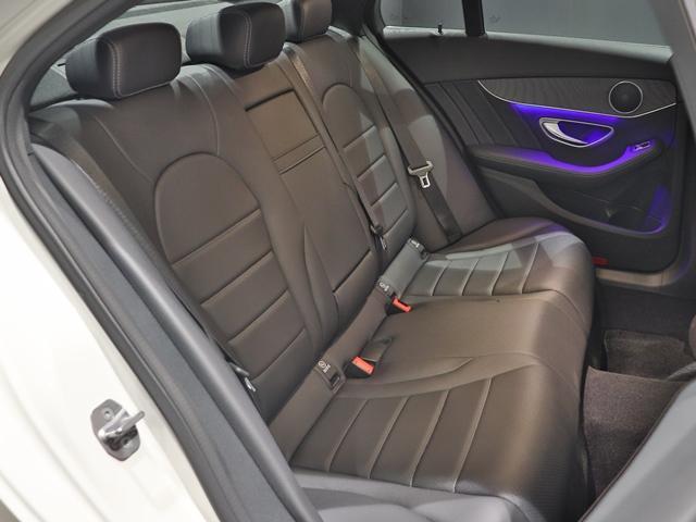C200 4マチック ローレウスエディション スポーツプラスPKG AMGライン AIR BODY CTRサスペンション コックピッドディスプレイ フットトランクオープナー スポーツシート マルチビームLED スポーツシート HUD(13枚目)
